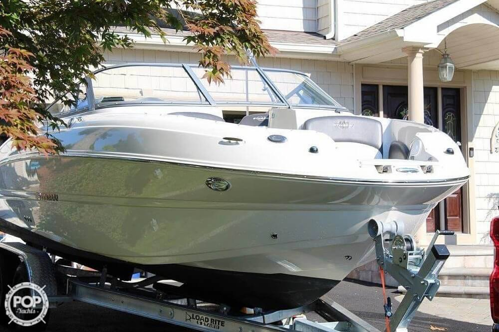 2018 Stingray boat for sale, model of the boat is 214LR & Image # 12 of 40