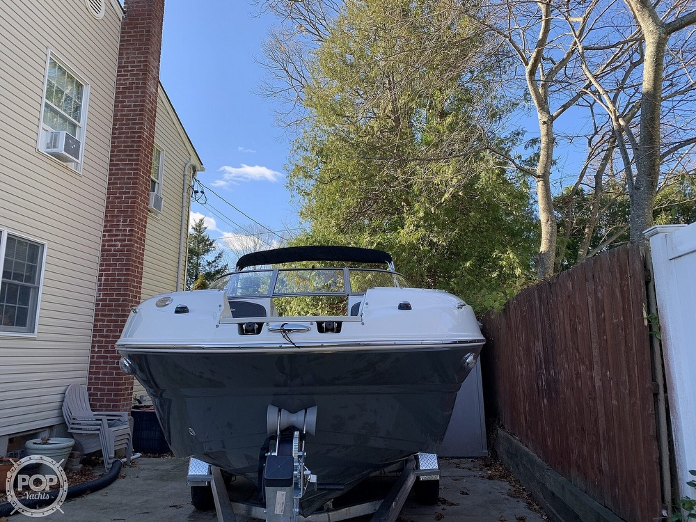 2018 Stingray boat for sale, model of the boat is 214LR & Image # 21 of 40