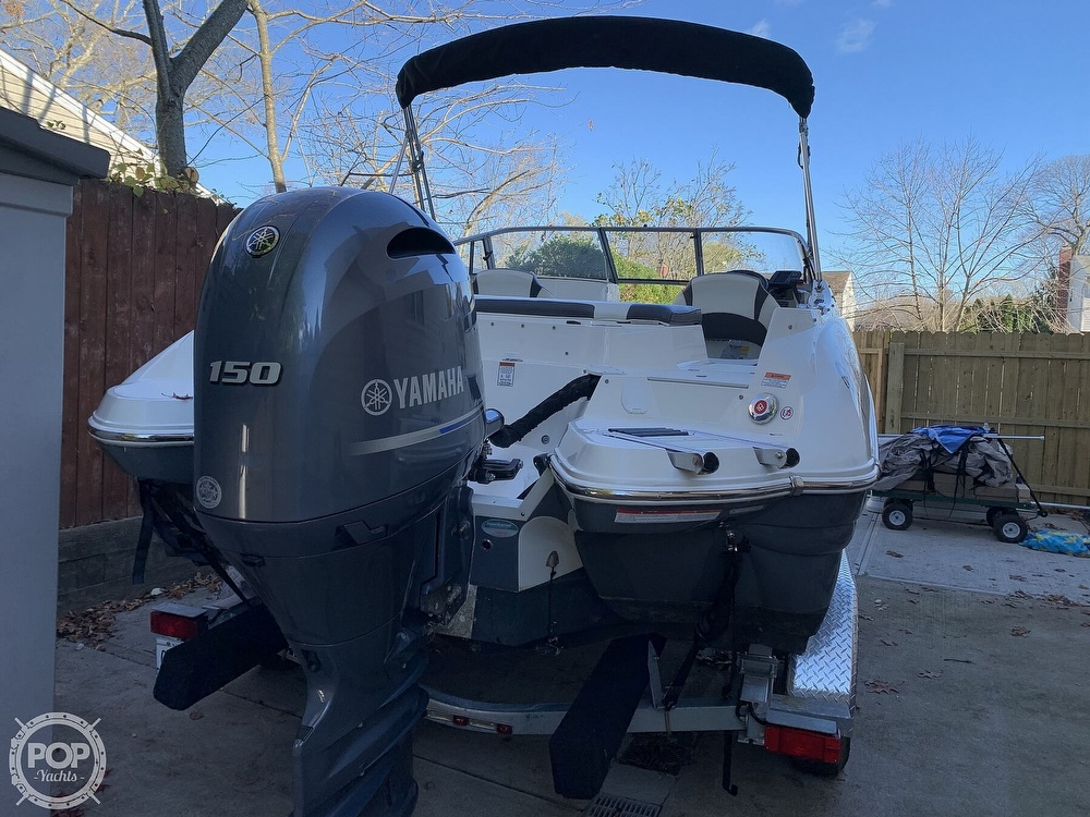 2018 Stingray boat for sale, model of the boat is 214LR & Image # 29 of 40