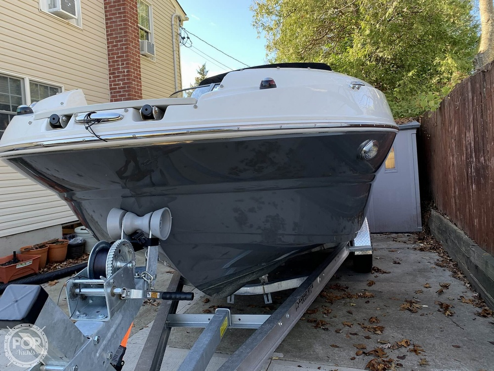 2018 Stingray boat for sale, model of the boat is 214LR & Image # 32 of 40