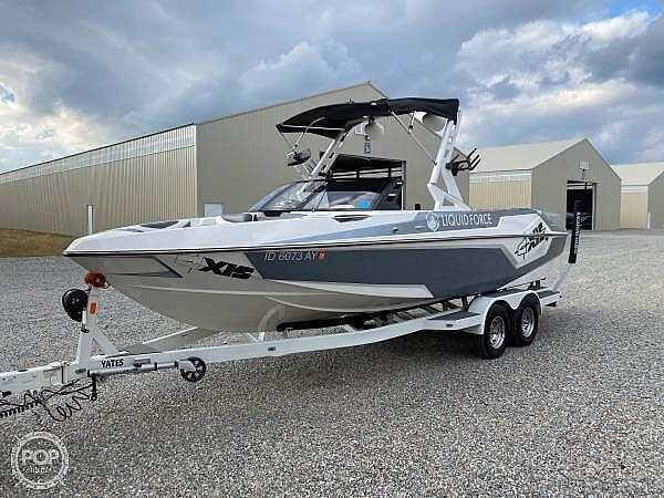 2019 Axis boat for sale, model of the boat is T23 Liquid Force & Image # 3 of 25