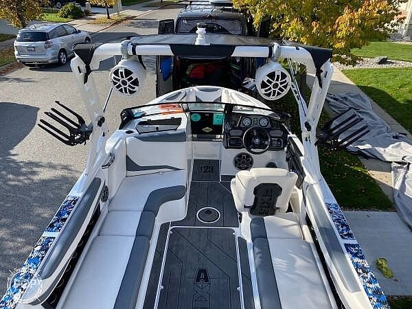 2019 Axis boat for sale, model of the boat is T23 Liquid Force & Image # 8 of 25