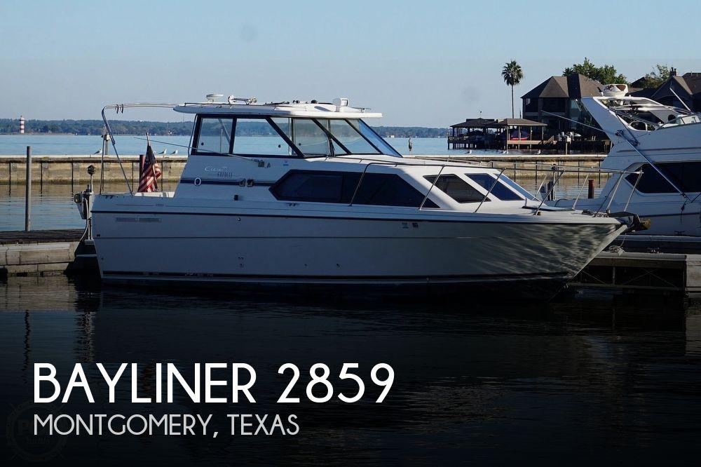 1999 Bayliner boat for sale, model of the boat is 2859 Ciera Express & Image # 1 of 40