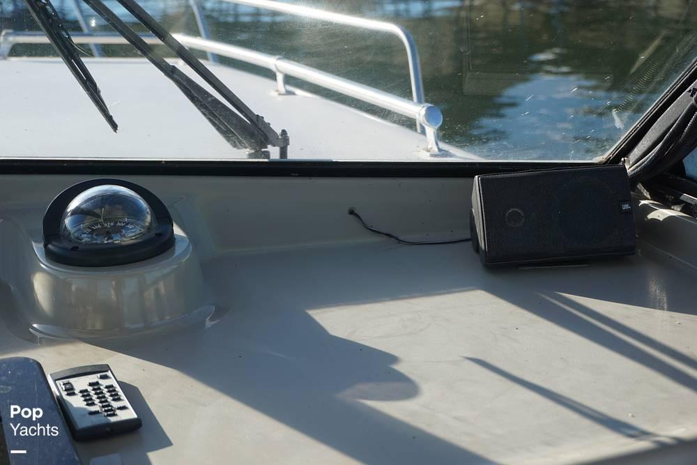 1999 Bayliner boat for sale, model of the boat is 2859 Ciera Express & Image # 37 of 40