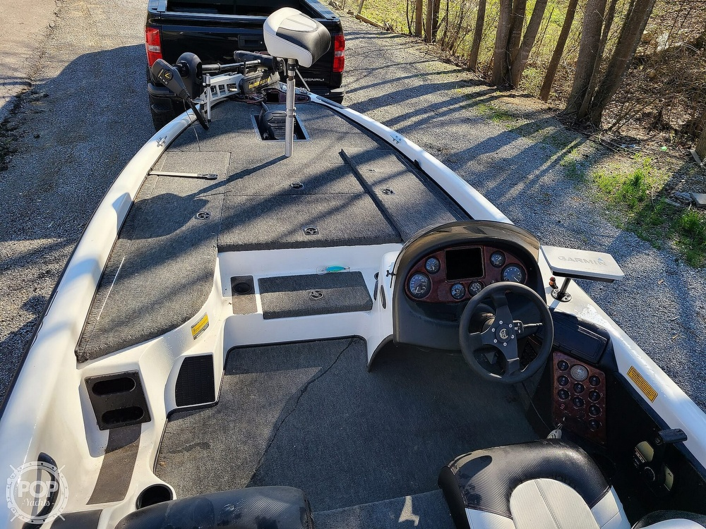 2000 Triton boat for sale, model of the boat is TR-20 & Image # 6 of 40
