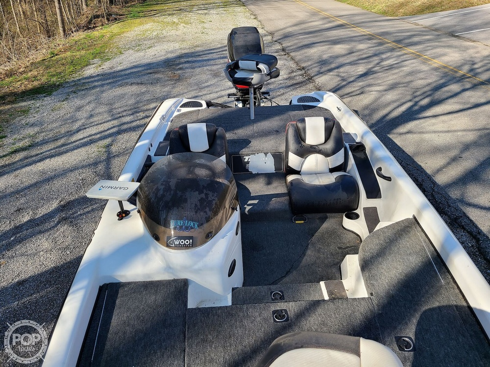 2000 Triton boat for sale, model of the boat is TR-20 & Image # 7 of 40