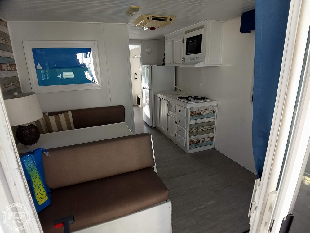 2010 Catamaran Cruisers boat for sale, model of the boat is 1035 Houseboat & Image # 20 of 40