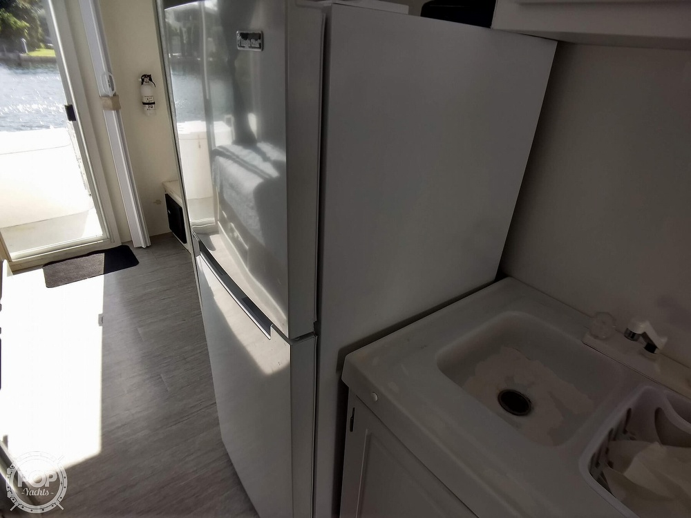 2010 Catamaran Cruisers boat for sale, model of the boat is 1035 Houseboat & Image # 34 of 40
