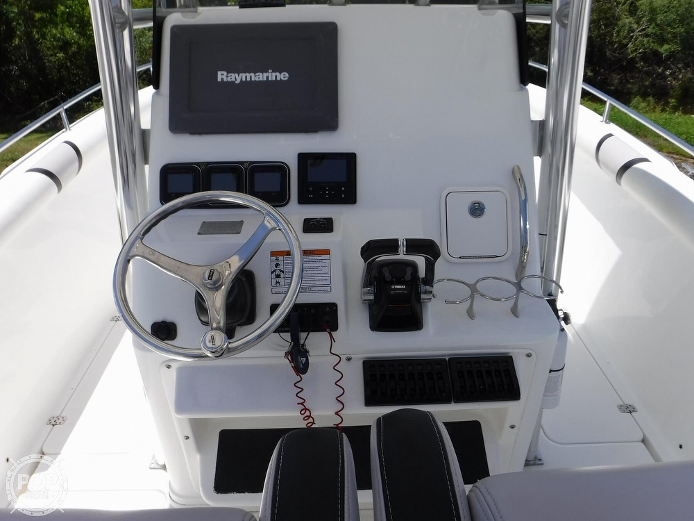 2010 Century boat for sale, model of the boat is 2901CC & Image # 5 of 40