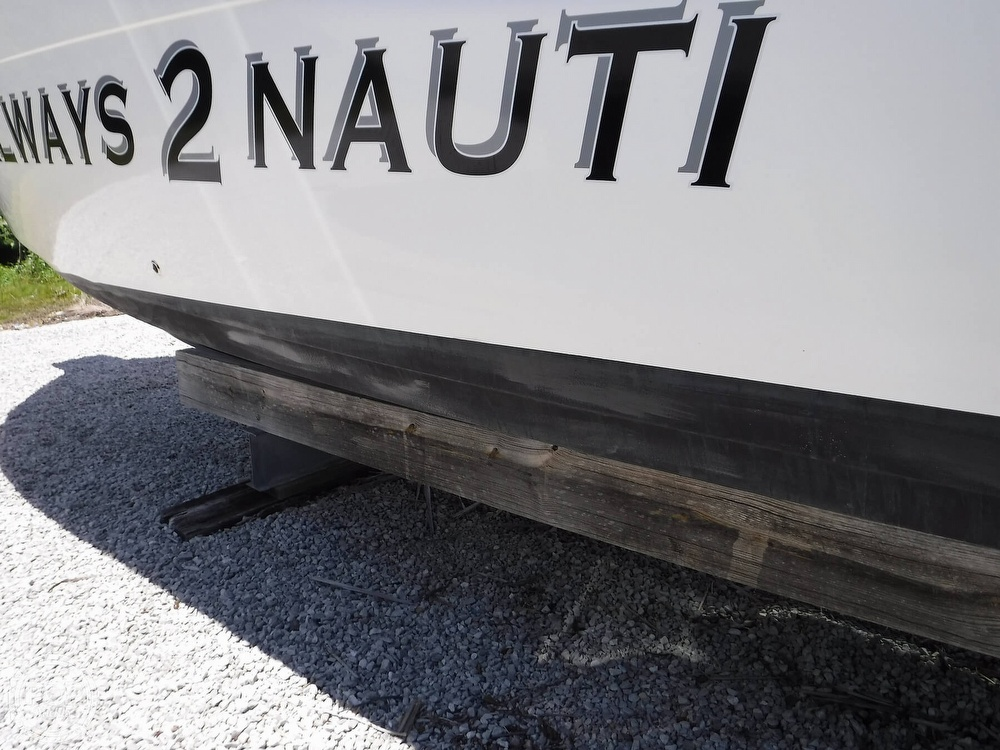 2010 Century boat for sale, model of the boat is 2901CC & Image # 17 of 40