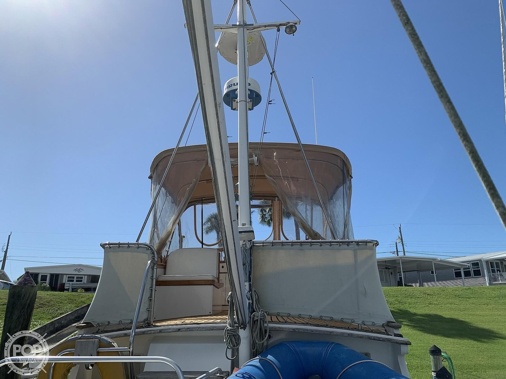 1973 Grand Banks boat for sale, model of the boat is 36 Classic & Image # 24 of 40
