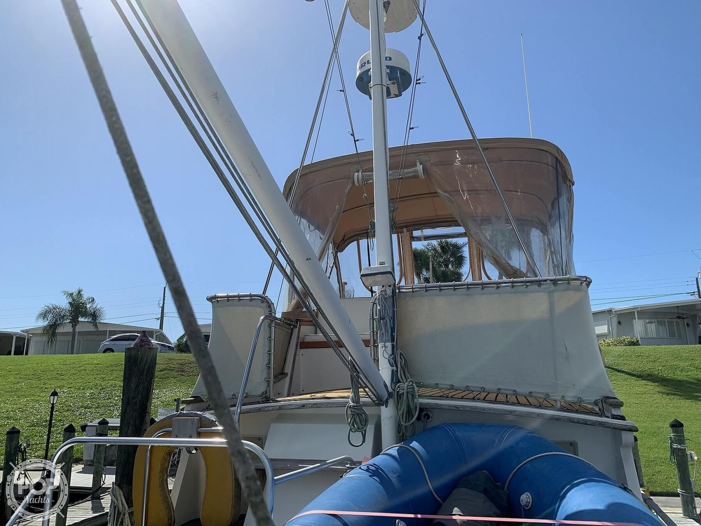 1973 Grand Banks boat for sale, model of the boat is 36 Classic & Image # 25 of 40