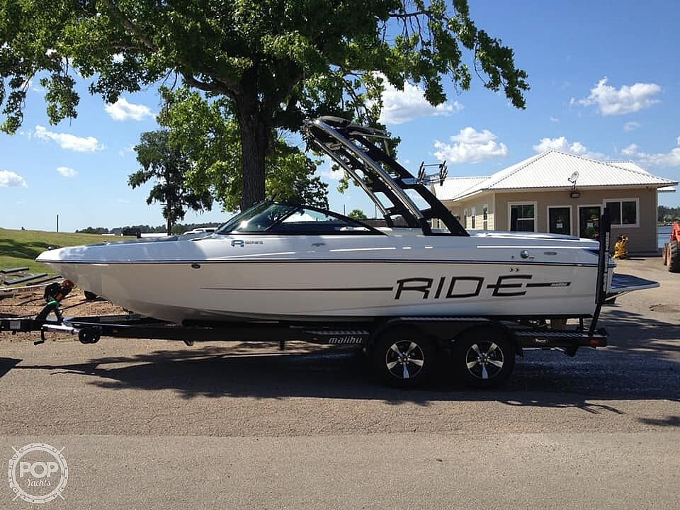 2012 Malibu boat for sale, model of the boat is 21 vRide & Image # 2 of 40
