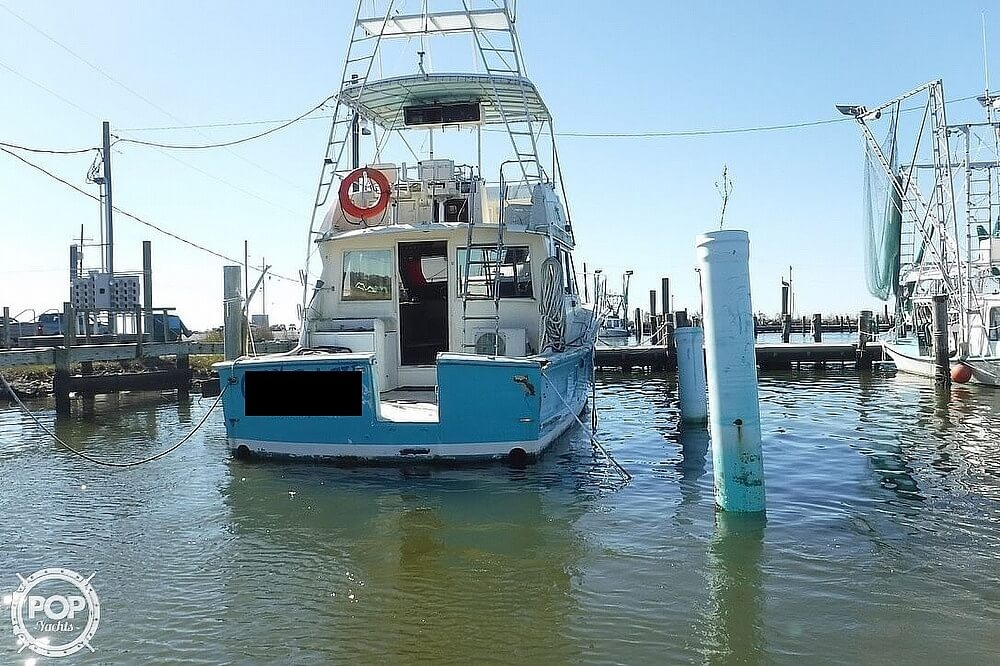 1977 Hatteras boat for sale, model of the boat is 46 Convertible & Image # 2 of 40