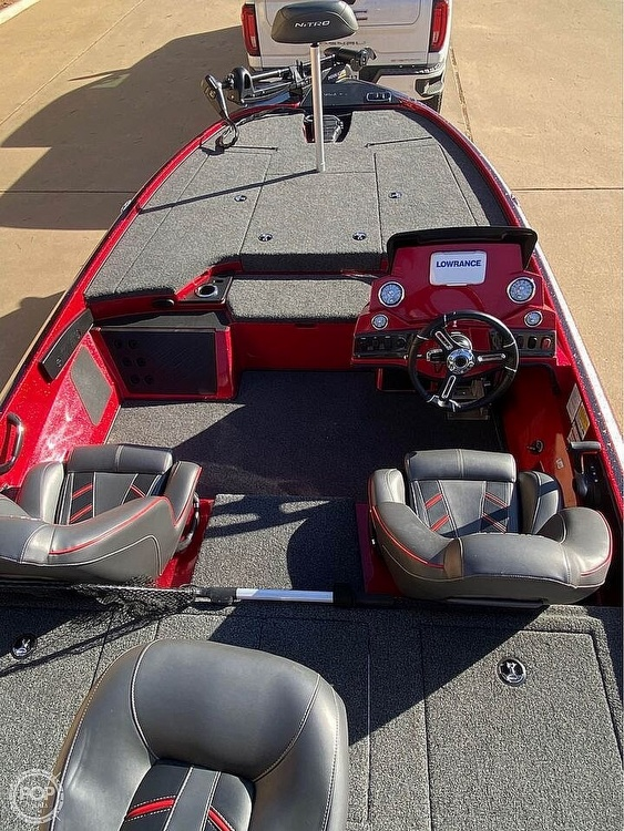 2020 Nitro boat for sale, model of the boat is Z18 & Image # 5 of 11