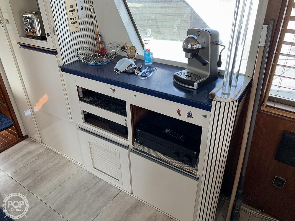 1977 Hatteras boat for sale, model of the boat is 58 Motor Yacht & Image # 39 of 40