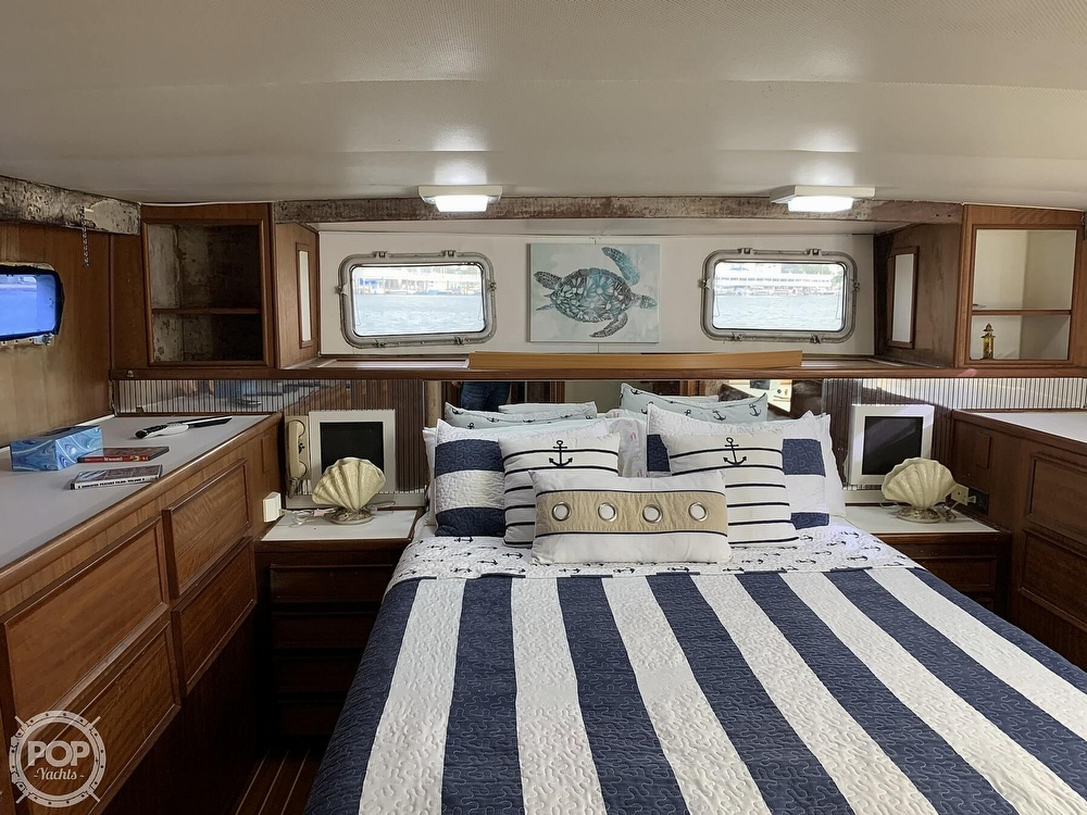 1977 Hatteras boat for sale, model of the boat is 58 Motor Yacht & Image # 5 of 40