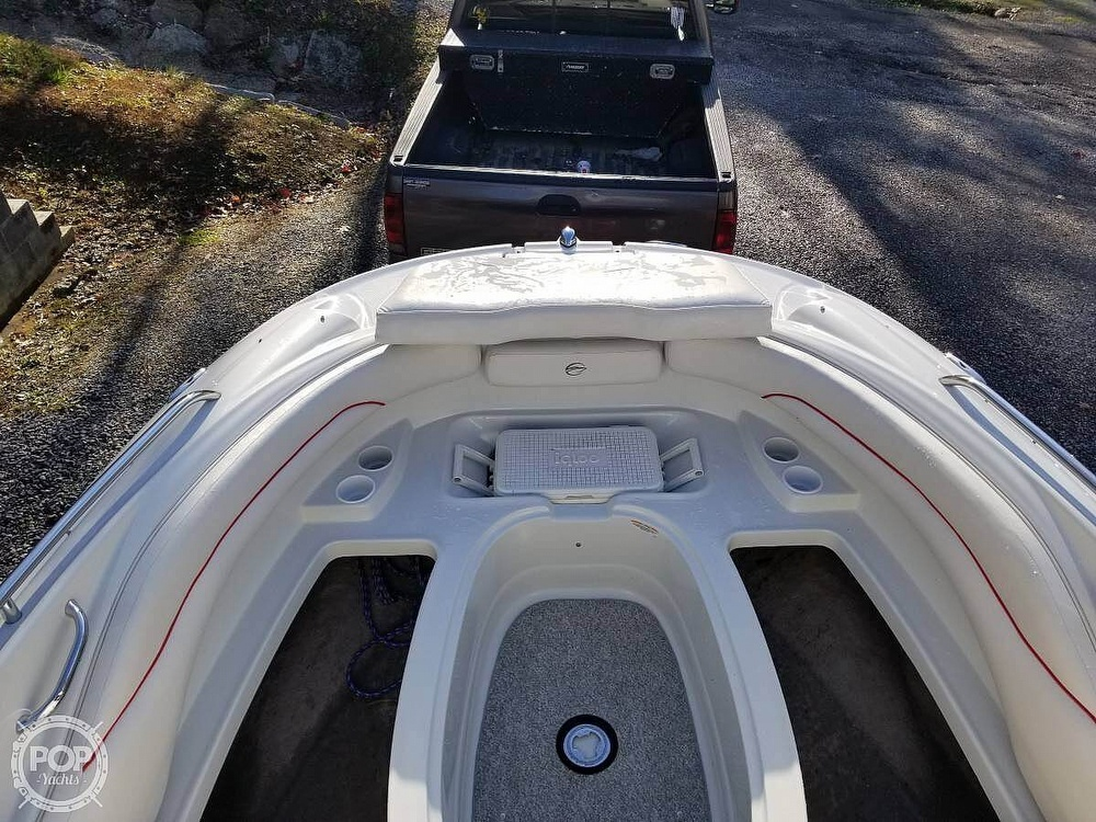 2005 Crownline boat for sale, model of the boat is 220EX & Image # 6 of 15