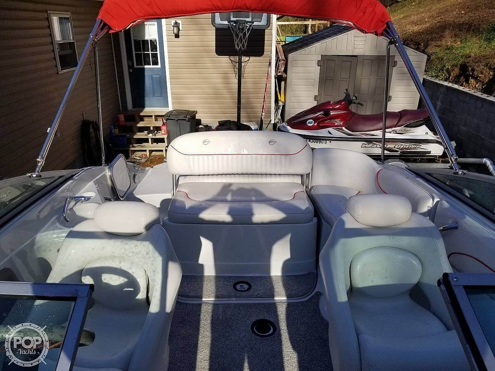 2005 Crownline boat for sale, model of the boat is 220EX & Image # 10 of 15