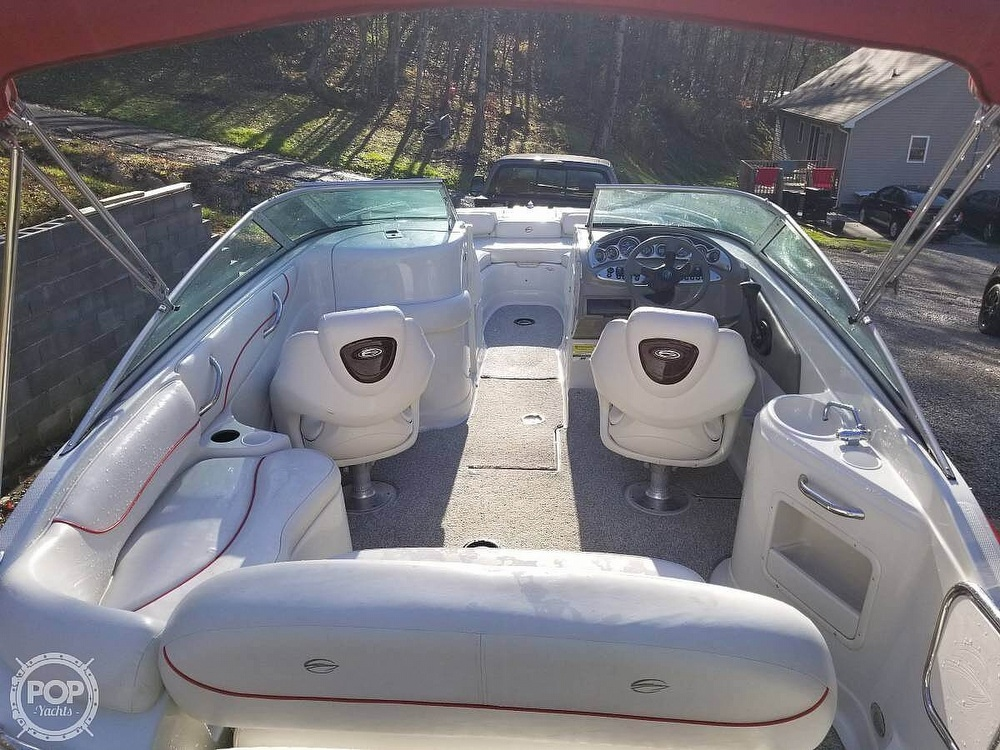 2005 Crownline boat for sale, model of the boat is 220EX & Image # 13 of 15