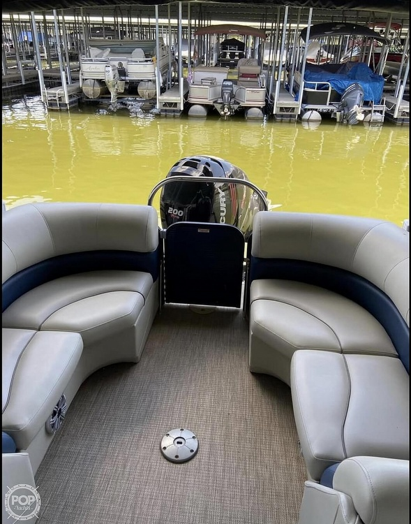 2018 Manitou boat for sale, model of the boat is 20 Oasis & Image # 2 of 8