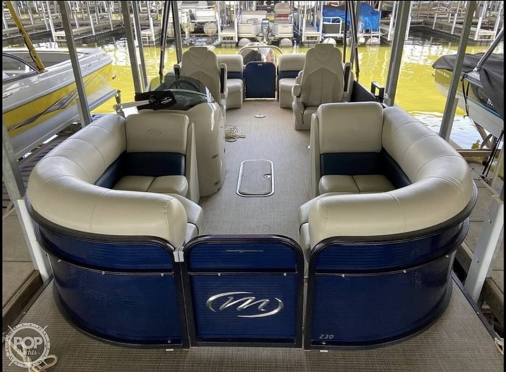 2018 Manitou boat for sale, model of the boat is 20 Oasis & Image # 3 of 8