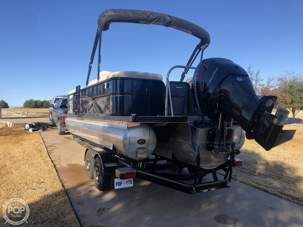 2018 Manitou boat for sale, model of the boat is 23 Oasis SHP & Image # 15 of 40
