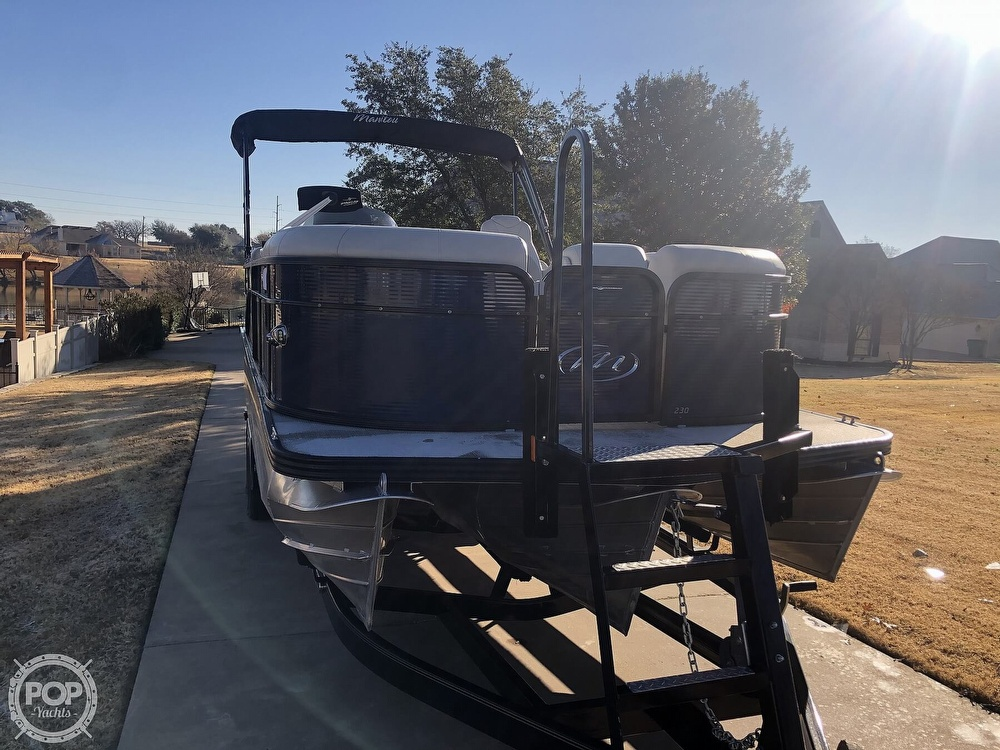 2018 Manitou boat for sale, model of the boat is 23 Oasis SHP & Image # 26 of 40