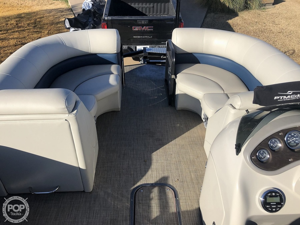 2018 Manitou boat for sale, model of the boat is 23 Oasis SHP & Image # 6 of 40