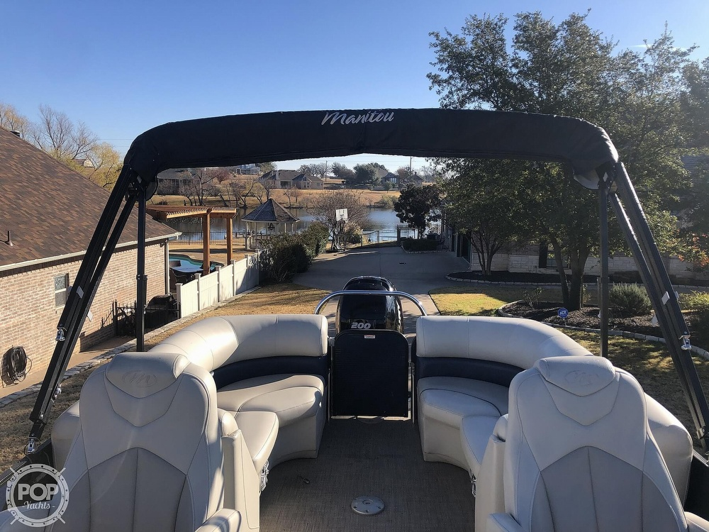 2018 Manitou boat for sale, model of the boat is 23 Oasis SHP & Image # 7 of 40