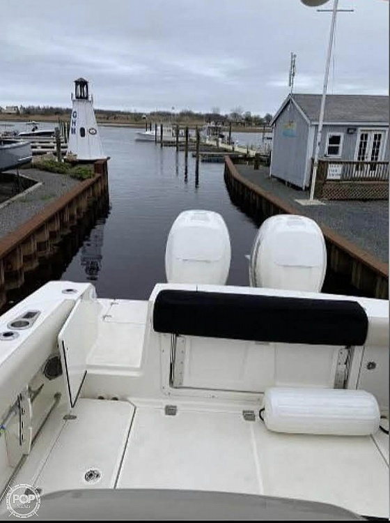 2018 Boston Whaler 330 Outrage - image 7