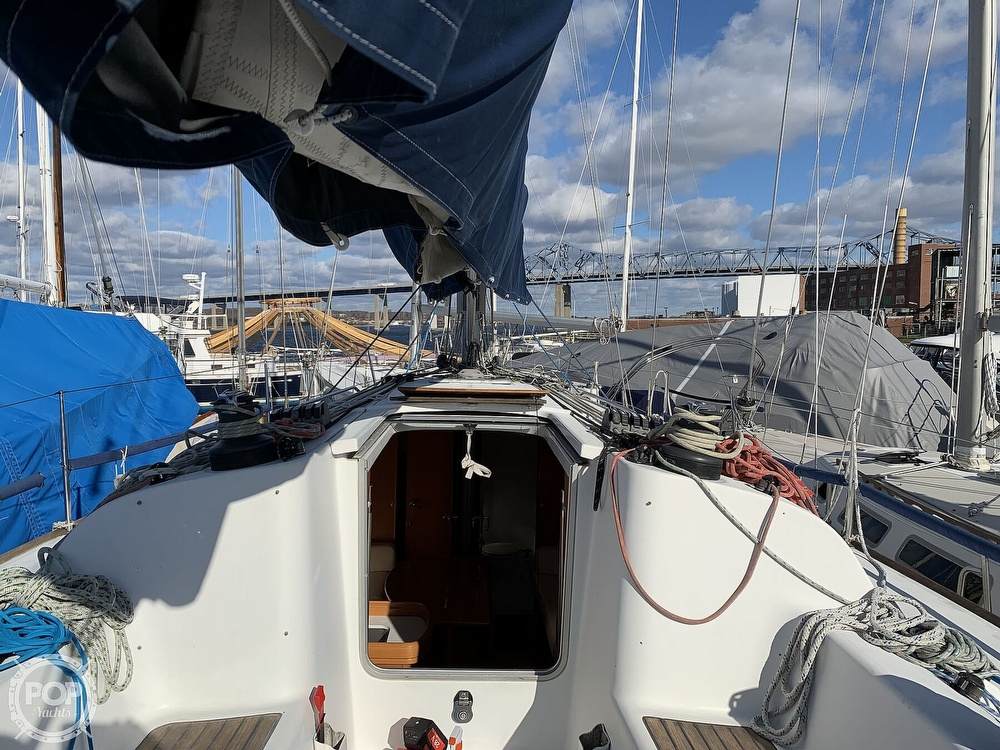 2006 Beneteau boat for sale, model of the boat is First 40.7 & Image # 11 of 40