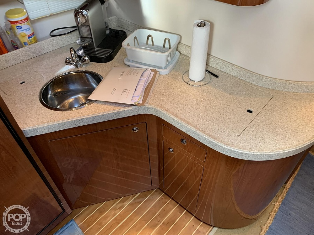2006 Regal boat for sale, model of the boat is Commodore 3860 & Image # 9 of 40