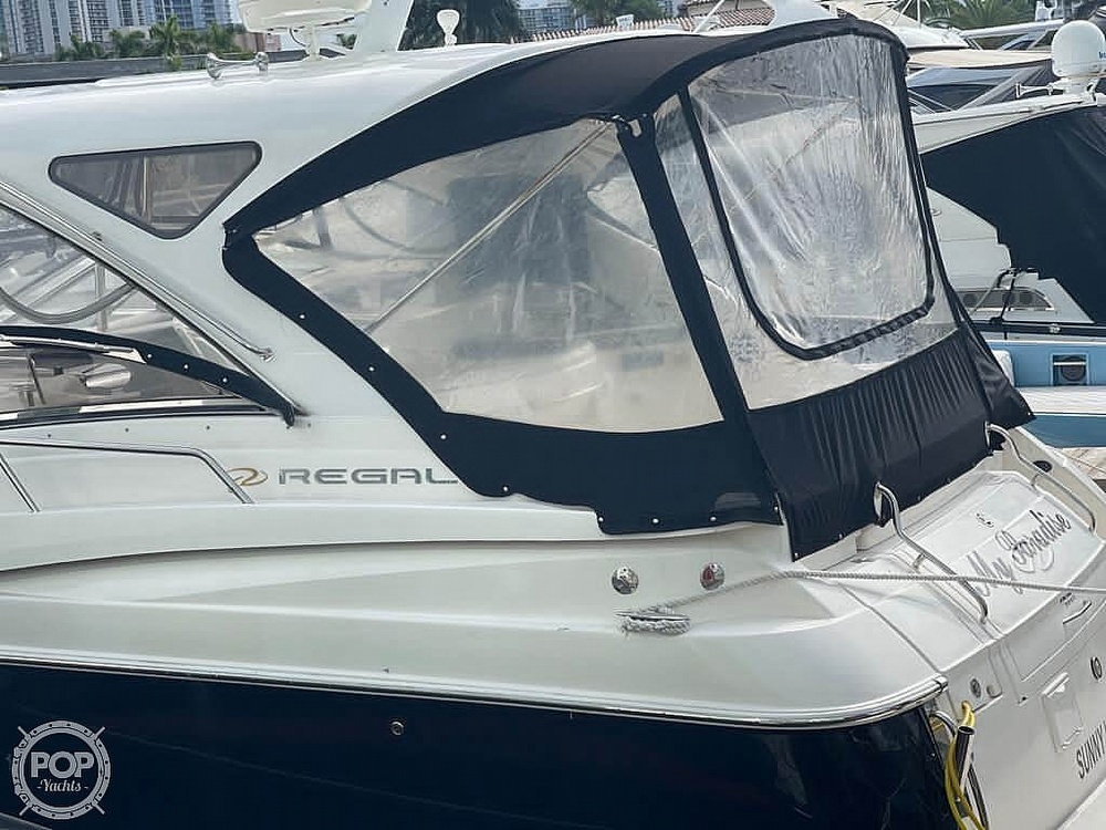 2006 Regal boat for sale, model of the boat is Commodore 3860 & Image # 22 of 40