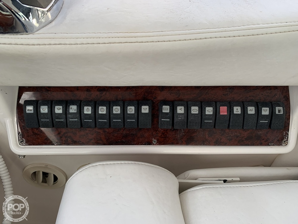 2006 Regal boat for sale, model of the boat is Commodore 3860 & Image # 32 of 40