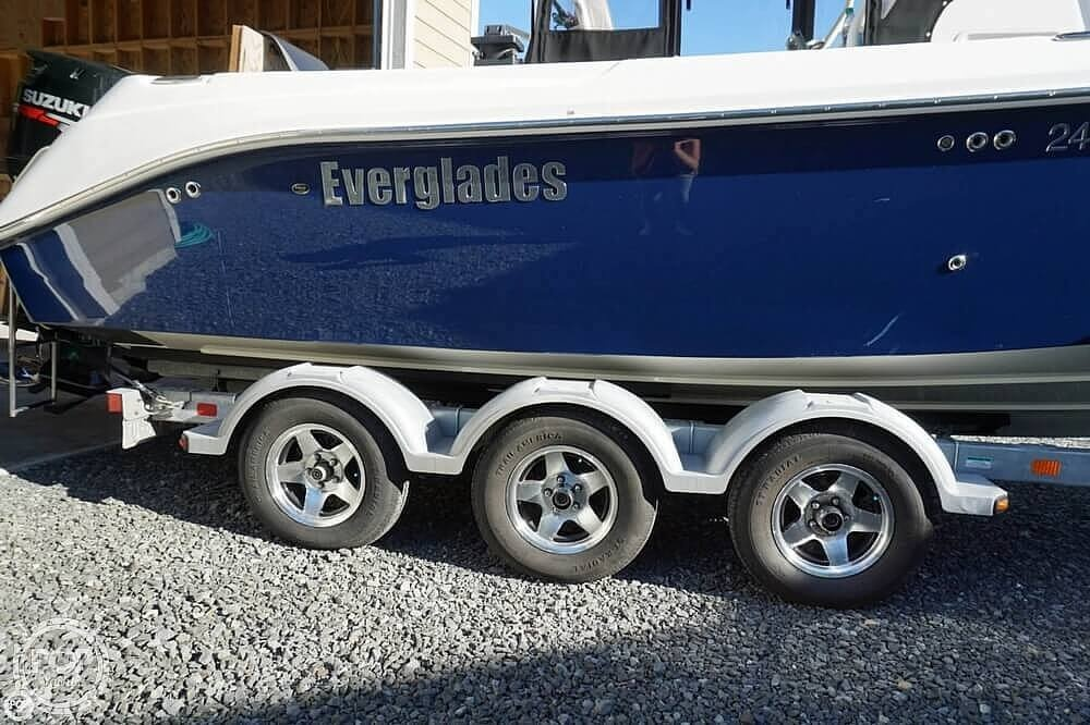 2007 Everglades boat for sale, model of the boat is 24 CC & Image # 32 of 40