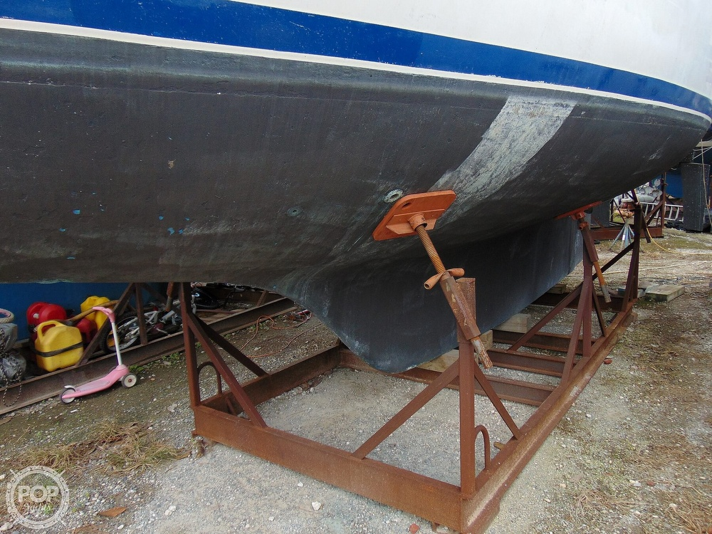 1977 Allied Princess boat for sale, model of the boat is 36 & Image # 15 of 40