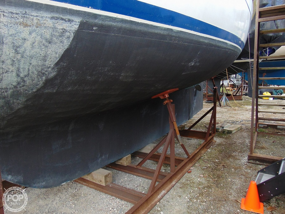 1977 Allied Princess boat for sale, model of the boat is 36 & Image # 16 of 40