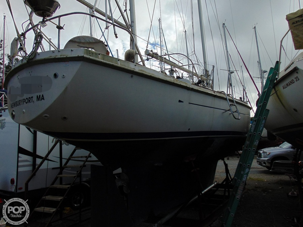 1977 Allied Princess boat for sale, model of the boat is 36 & Image # 29 of 40