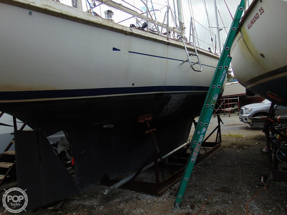 1977 Allied Princess boat for sale, model of the boat is 36 & Image # 30 of 40