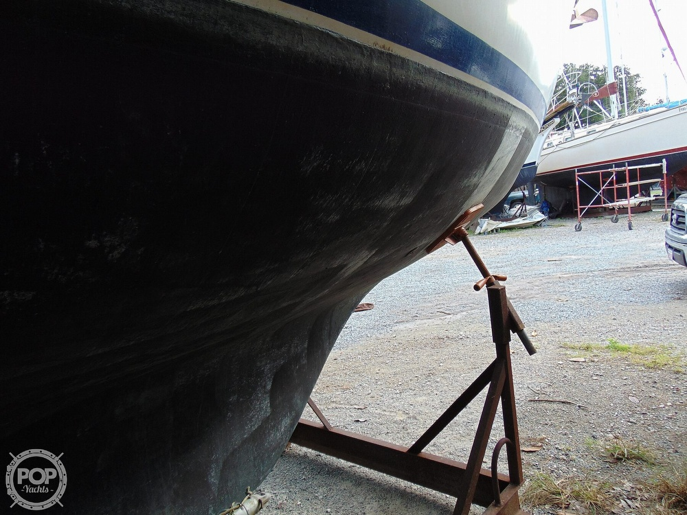 1977 Allied Princess boat for sale, model of the boat is 36 & Image # 35 of 40