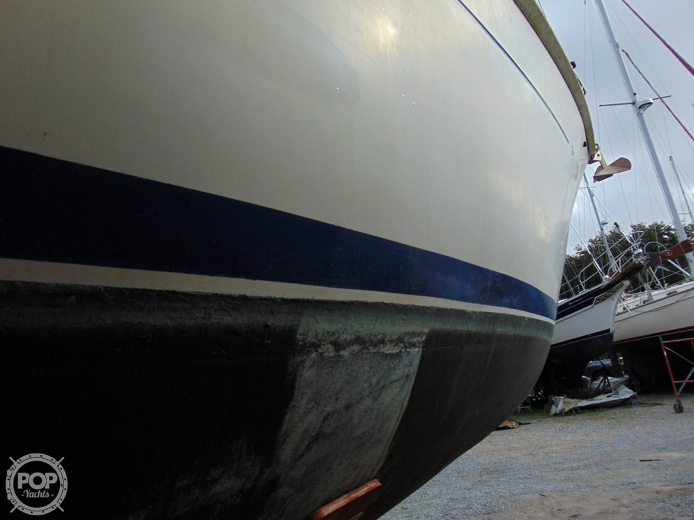 1977 Allied Princess boat for sale, model of the boat is 36 & Image # 36 of 40