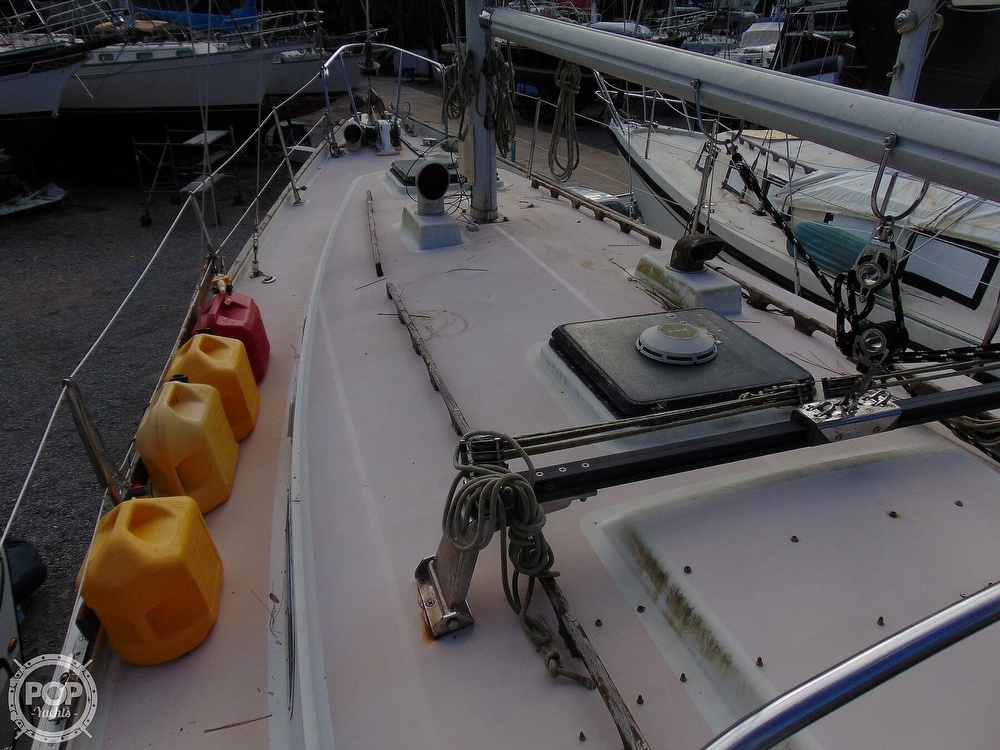 1977 Allied Princess boat for sale, model of the boat is 36 & Image # 3 of 40