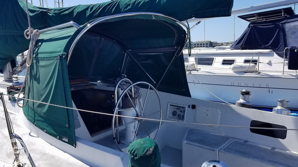 1972 Ericson Yachts boat for sale, model of the boat is 39 Flush Deck & Image # 22 of 40