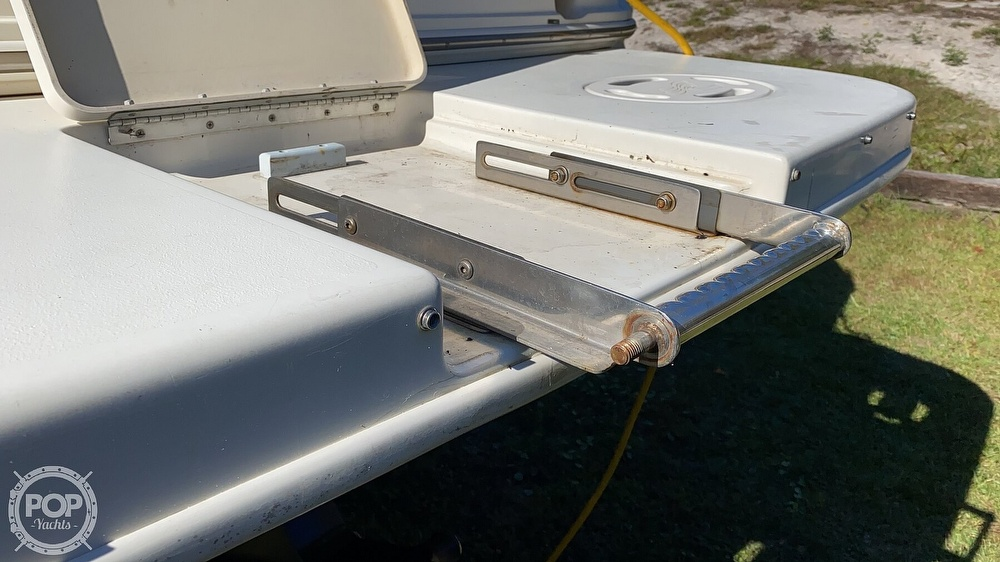 1999 Sea Ray boat for sale, model of the boat is 270 Sundancer & Image # 26 of 40