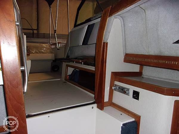 1987 Regal boat for sale, model of the boat is Commodore 277xl & Image # 11 of 26