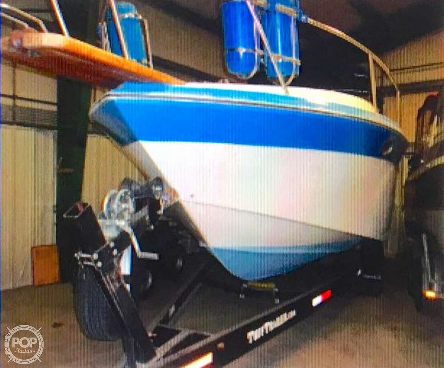 1987 Regal boat for sale, model of the boat is Commodore 277xl & Image # 4 of 26