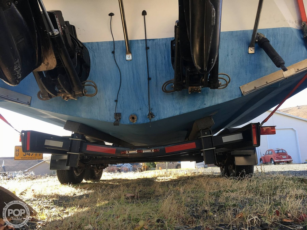 1987 Regal boat for sale, model of the boat is Commodore 277xl & Image # 8 of 26