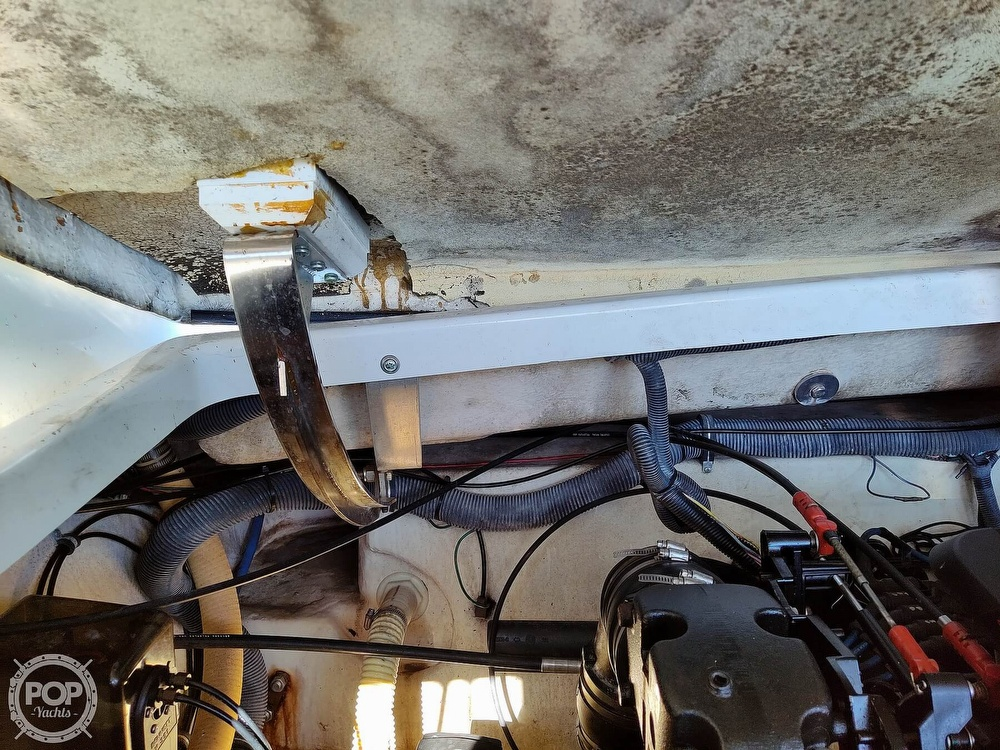 2004 Formula boat for sale, model of the boat is 330 SS & Image # 37 of 40
