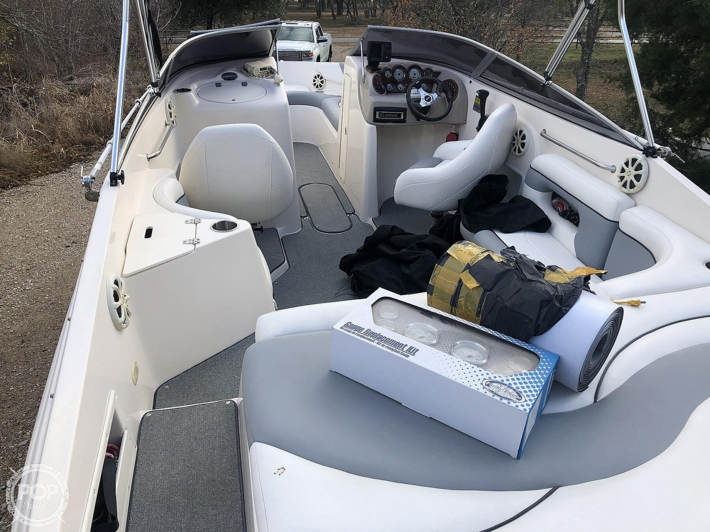 2003 Rinker boat for sale, model of the boat is Captiva 232 & Image # 3 of 40